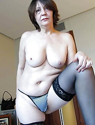 Big breasted girlfriends want to undress the stranger