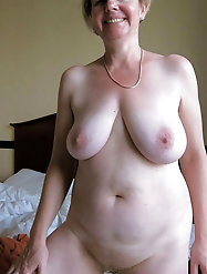 Mature and Grannys 0379