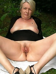 Mature and Grannys 0402