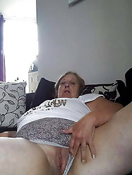Ripened experienced slut is playing with her dildo