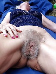 Racy older g-i-l-f shows her skills