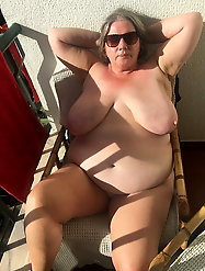 Sensual older sluts are showing their hot lines on pictures